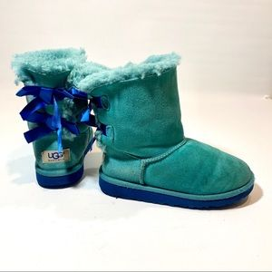 Ugg- Bailey Bow Size 1 kids